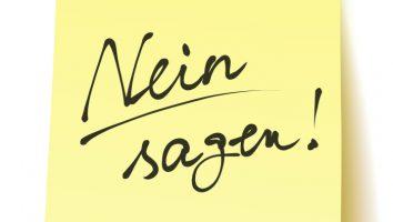 """Quadratisches Postit mit der Aufschrift: """"Nein sagen!"""" handschriftlich, unterstrichen, Vektor, freigestellt"""